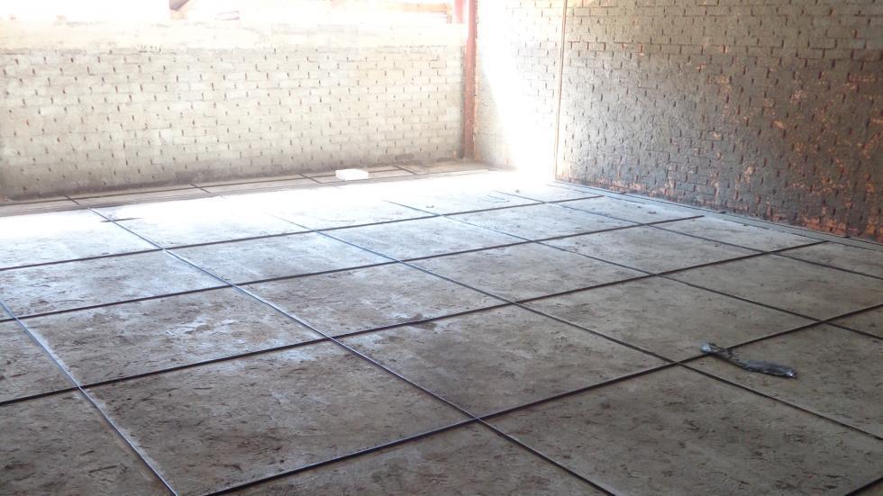 Execução de piso granitina