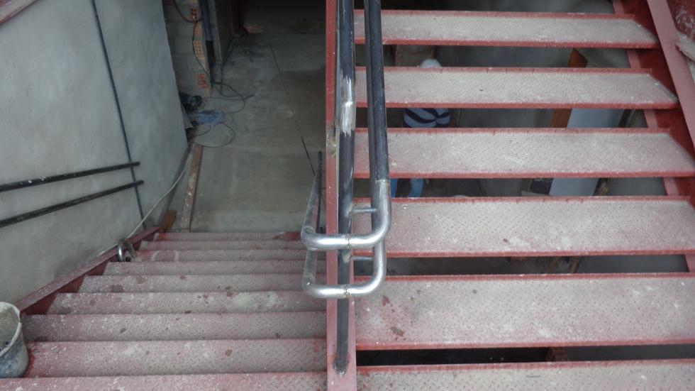 Montagem da escada metálica interna