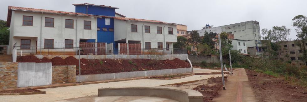 Vista frontal casa 05 e casa 06
